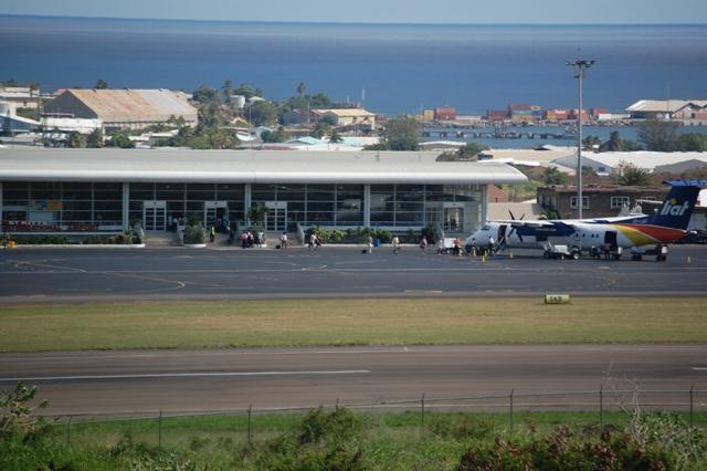 LIAT_passengers_boarding_at_RLB_-_St_Kitts.JPG