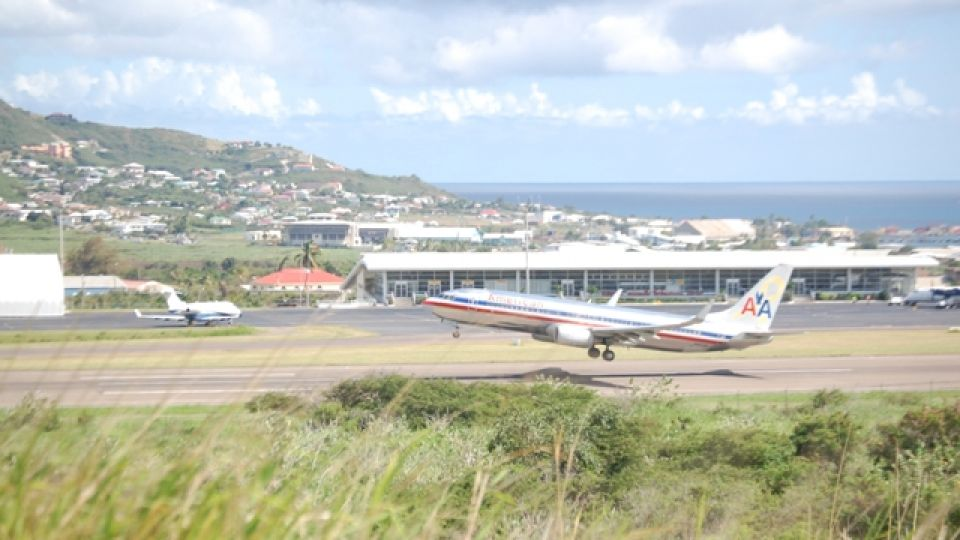 St. Kitts hotels in air/land package sale with American Airlines from New  York and Miami