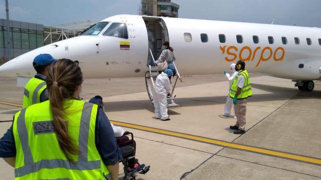 Charter-flight-passengers-during-embarking-1.jpeg