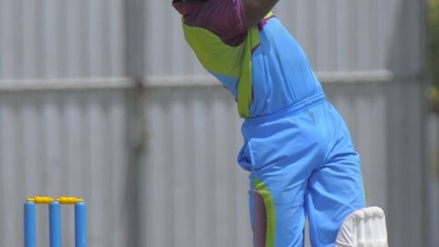 Devon_Thomas_batting_at_the_Sagicor_HPC_-_WindiesCricket.com_photo.jpg