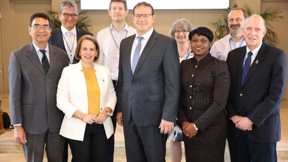 Group-picture-at-the-First-International-Conference-on-Island-Territories-in-ARUBA-march-2019-1.jpeg