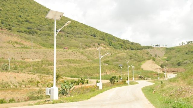 Indigo_Bay_Estates_Solar_Powered_Street_Lights.JPG