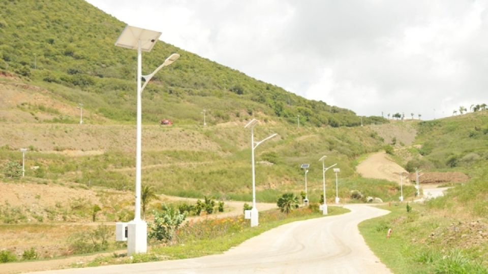 Indigo_Bay_Estates_Solar_Powered_Street_Lights.JPG