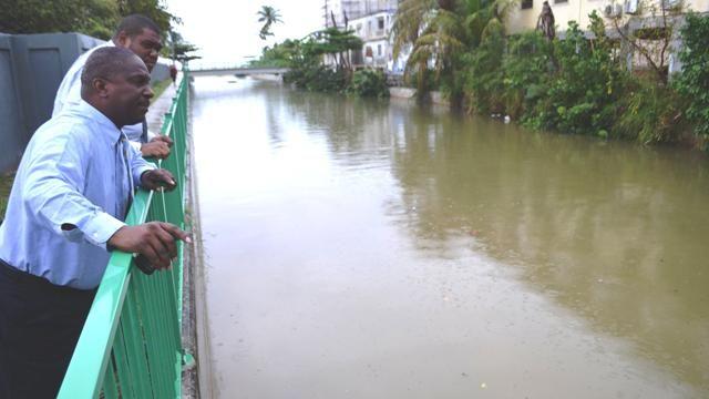 MinVROMI_ML_Observing_Fresh_Pond_after_a_break_in_Mondays_Rainfall.JPG