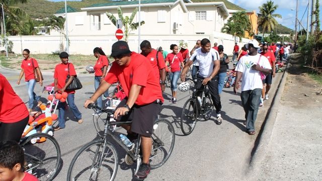 Min_Jacobs_Participants_in_the_bike-a-thon_as_part_of_the_Rights_of_the_Child.JPG