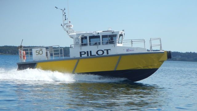 New-pilot-boat-in-action.jpg