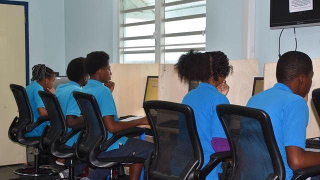 PB-Eerste-CXC-examens-op-Sint-Eustatius.jpeg