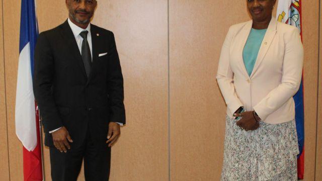 President-Daniel-Gibbs-Prime-Minister-Silveria-Jacobs-scaled.jpg