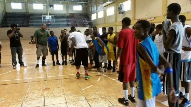 Shumpert-in-action-during-first-basketball-youth-clinic-in-2013.jpg