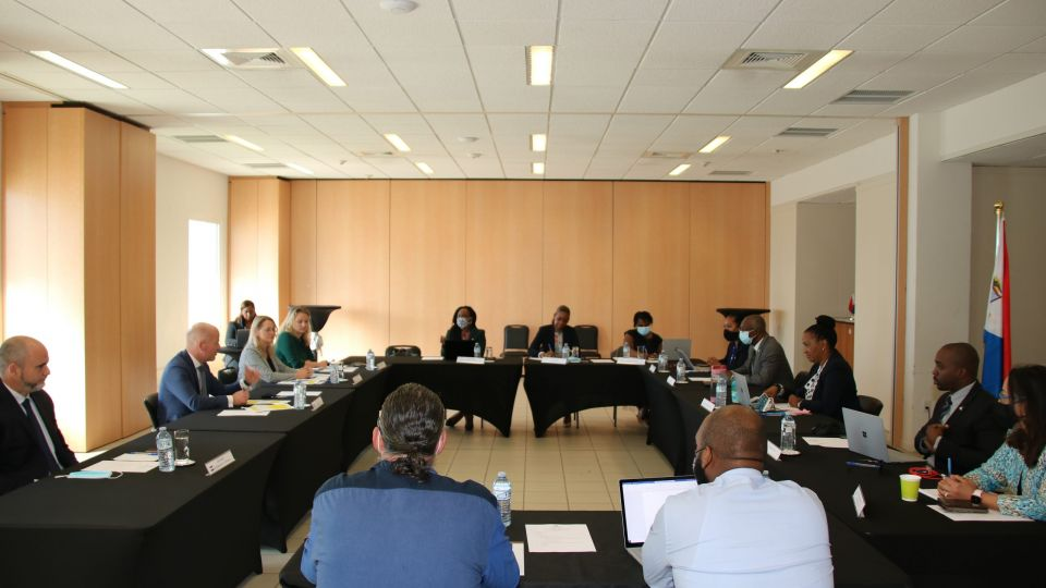 St.-Maarten-delegation-and-Dutch-delegation-meeting-scaled.jpg