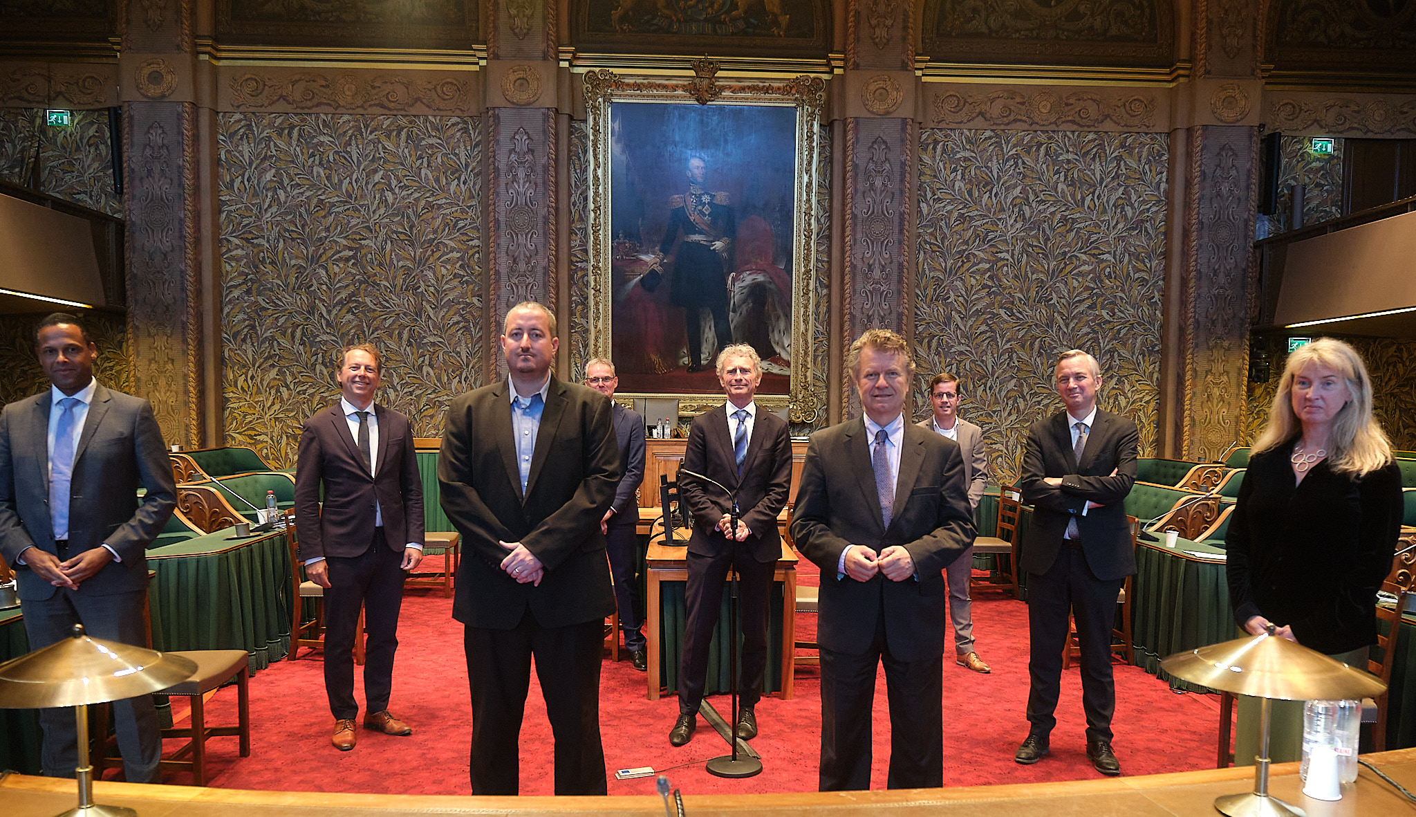 Bruce-Tim-at-First-Chamber-group-photo.jpg